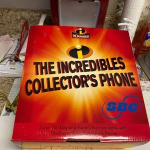 BNWT Incredibles Vintage Collector's Phone